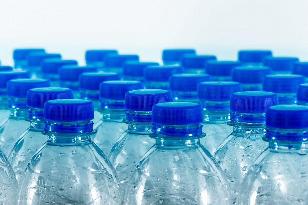 Bottles 4276208 1920 Willfreid Wende Pixabay CC PublicDomain