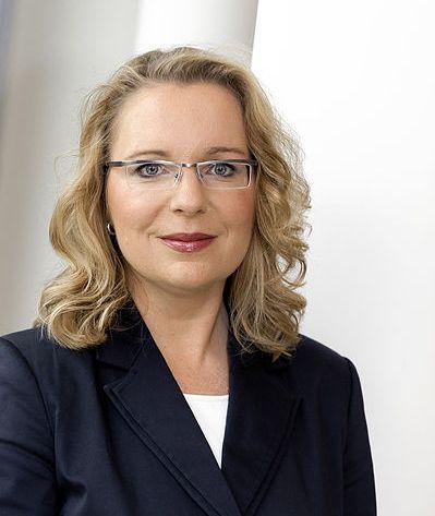 Claudia Kemfert 2011 wikiccbysa30 klein