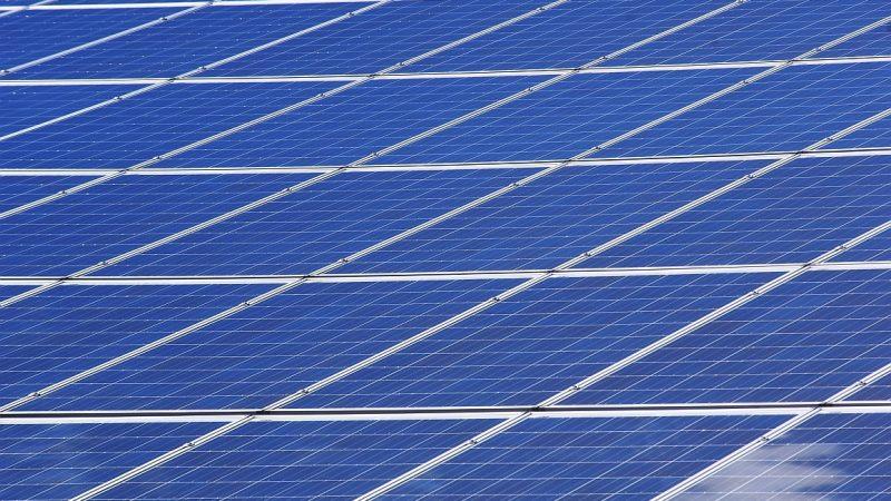 Blauer Himmel beschert Deutschland Solar-Rekord