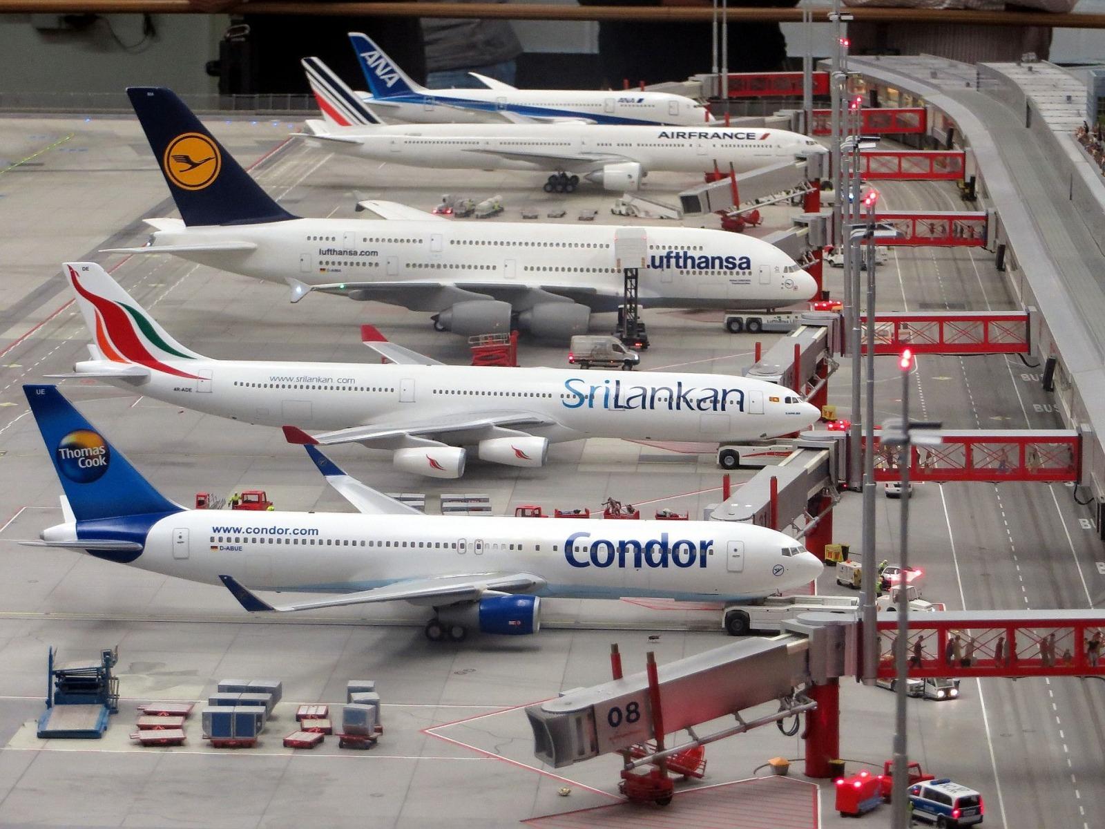flughafen model planes Günther Simmermacher pixabay