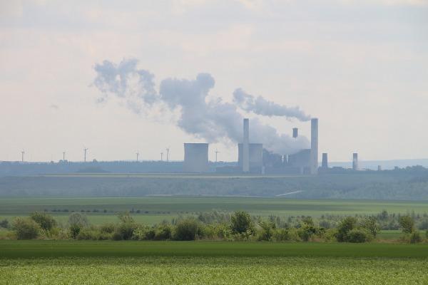 5 Weisweiler DoroT Schenk Pixabay CC PublicDomain power plant 3705171 1920