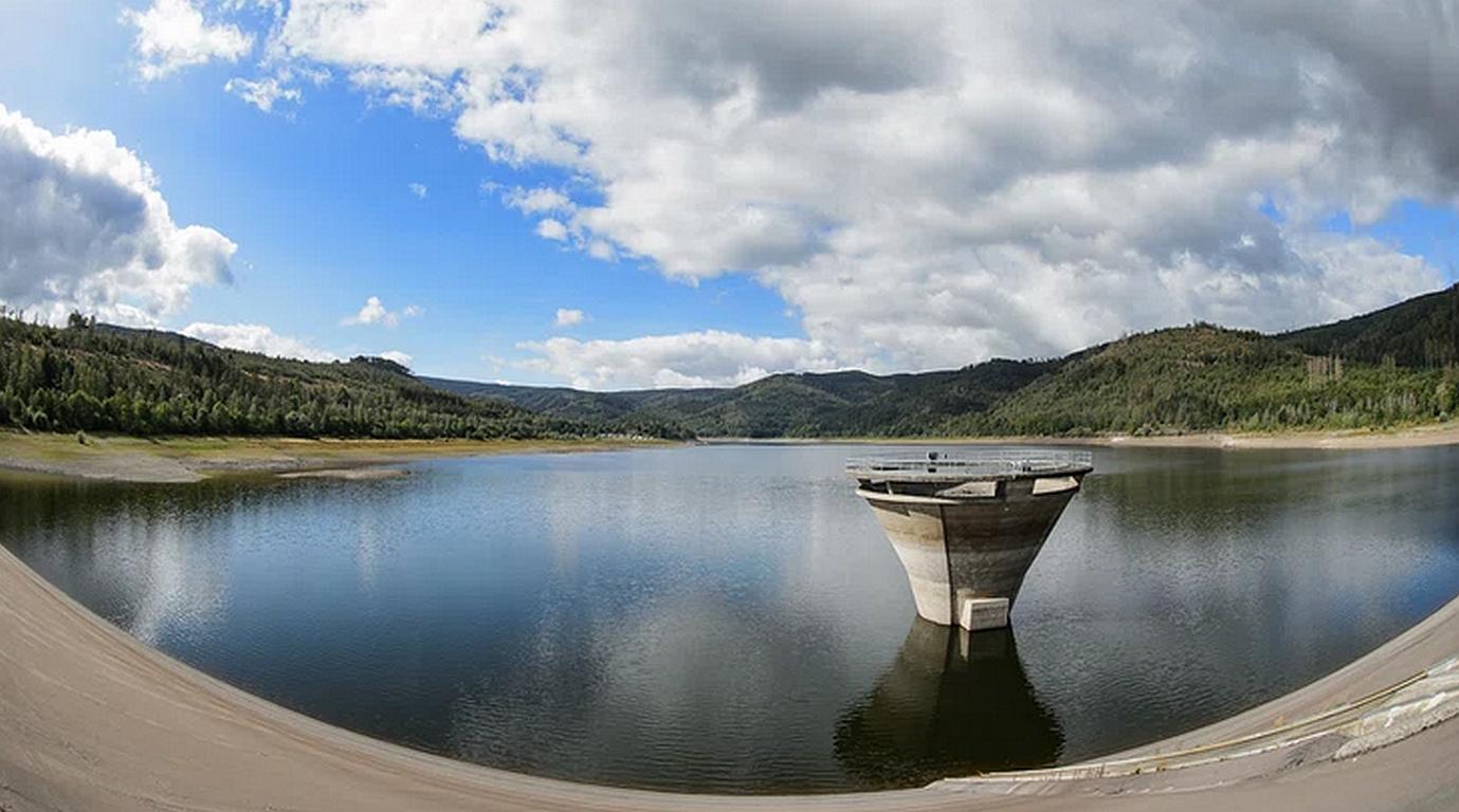 Klimawandel bedroht die Seen und Flüsse