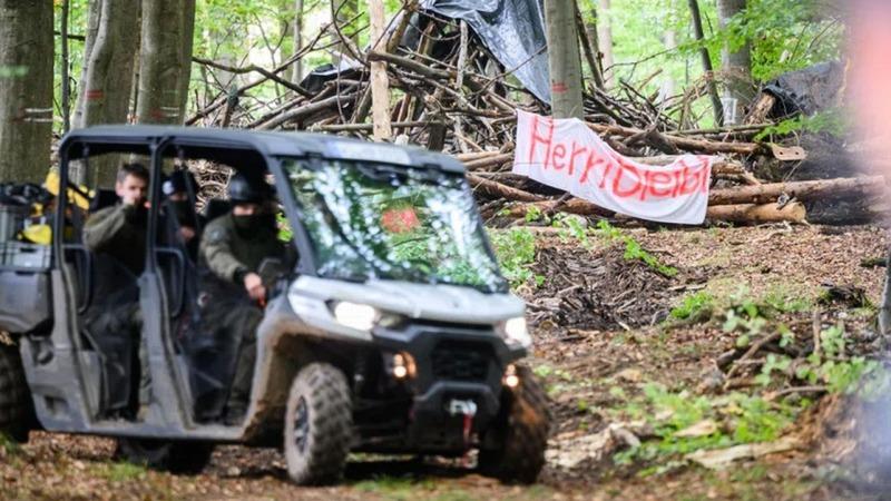 Polizei räumt Camp im Danneröder Wald