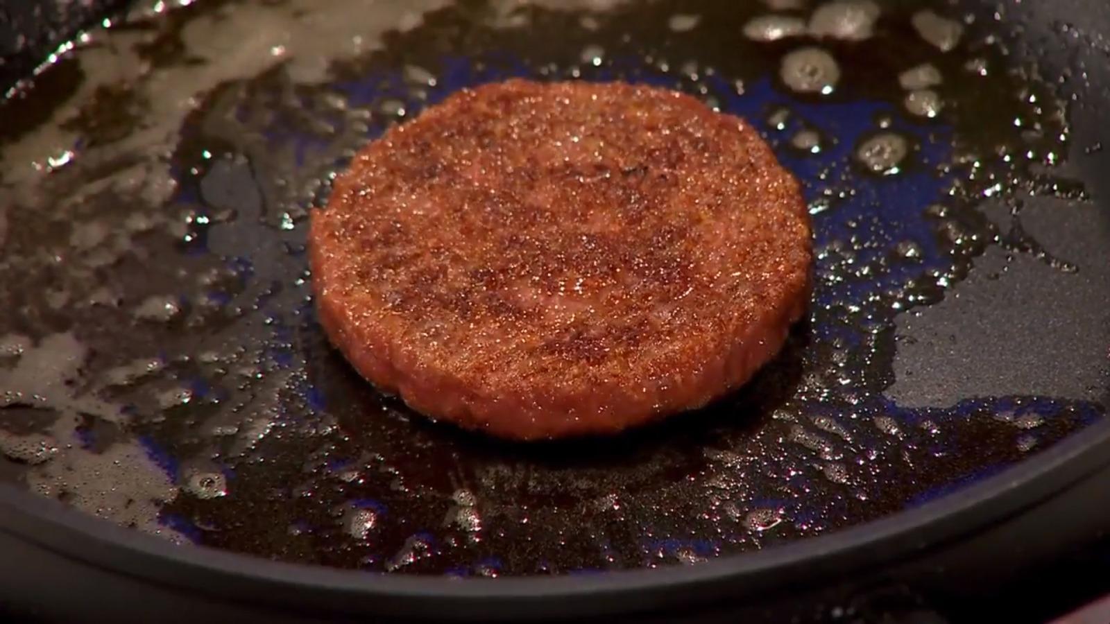 labor fleisch First cultured hamburger world economic forum wikiccby30
