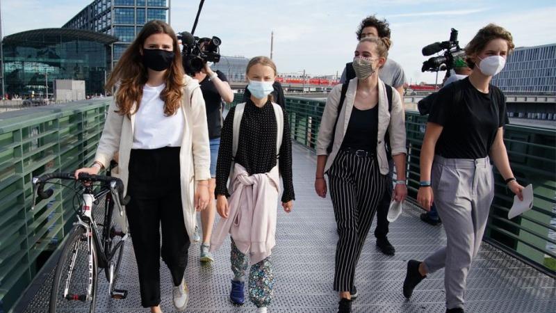 """Klimaaktivistinnen werfen EU-Kommission """"Betrug mit Zahlen"""" vor"""