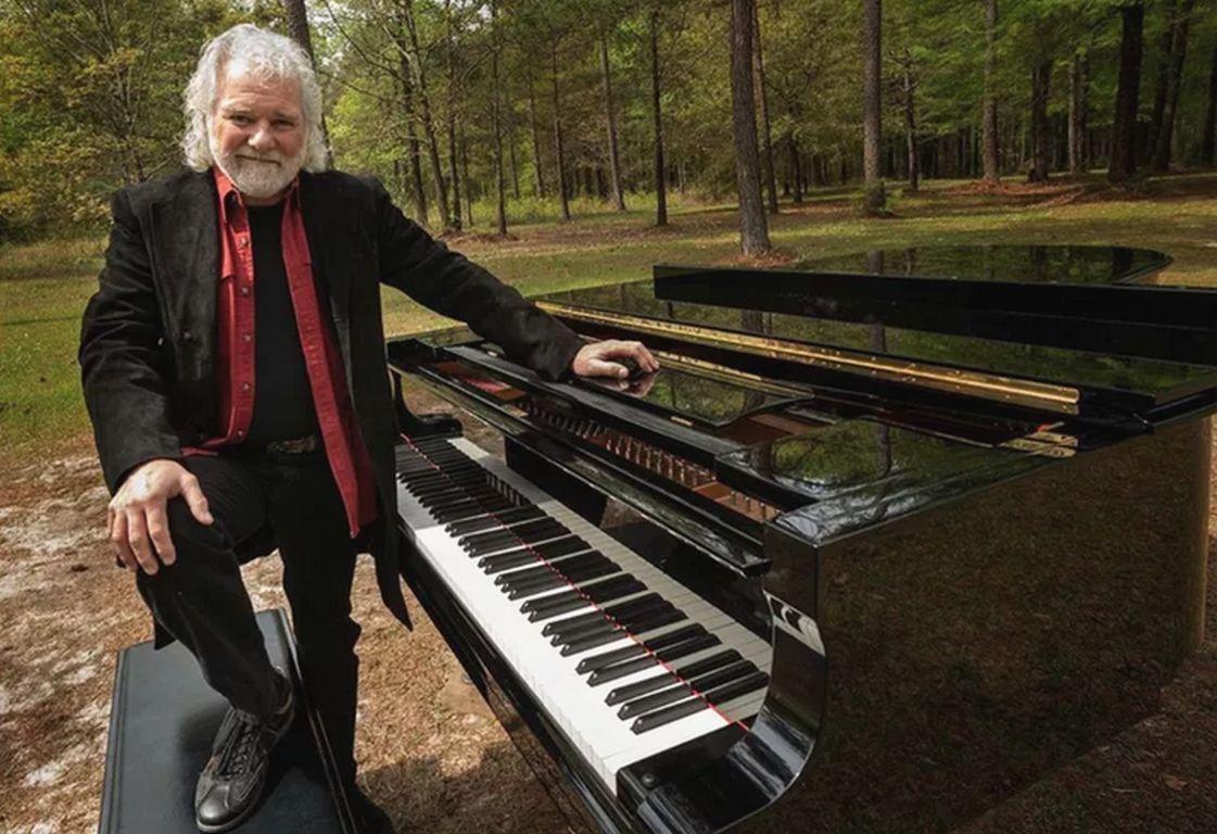 Chuck Laevell: vom Rolling Stone-Pianist zum Treeman