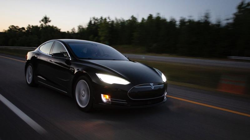 Umweltbundesamt fordert Bußgeld von Tesla