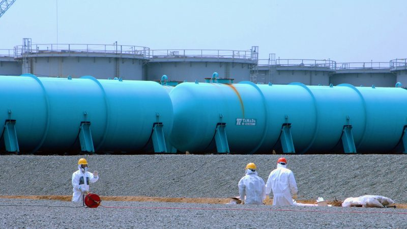 Fukushima: Radioaktives Wasser ins Meer kippen