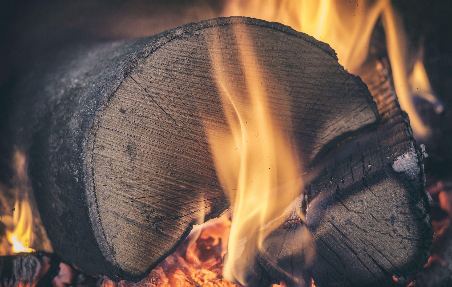 Gesundheitsexperten warnen vor heizen mit Holz