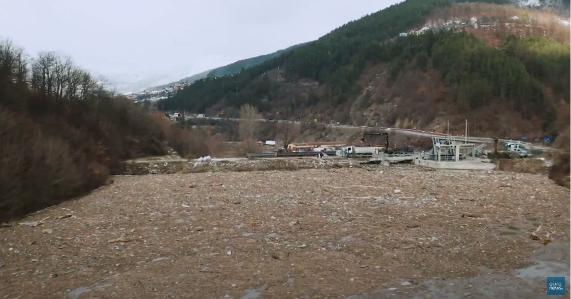 Schwimmende Mülldeponie in Bulgarien beseitigt