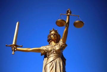 Justizia Sang Hyun Cho Pixabay CC PublicDomain