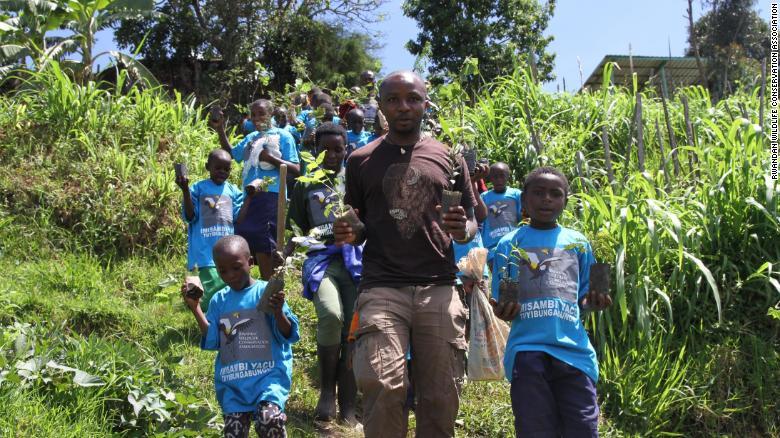 olivier nsengimana rwanda cranes kids exlarge 169