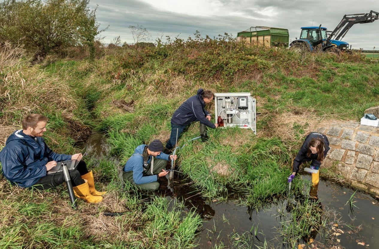 Pestizide: Bäche in Agrarlandschaften stark  belastet