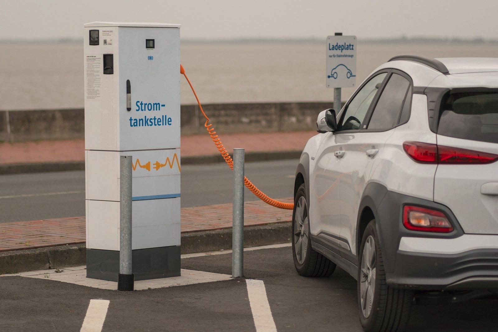 charging station e auto A.Krebs pixabay