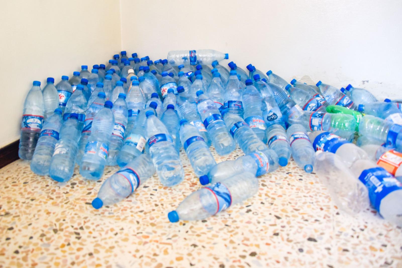 wassermangel syrien plastikflaschen Tareq Mnadili NRC