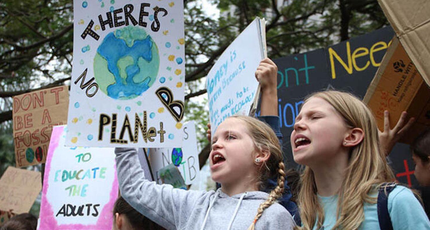DUH und Greenpeace verklagen Konzerne auf Klimaschutz