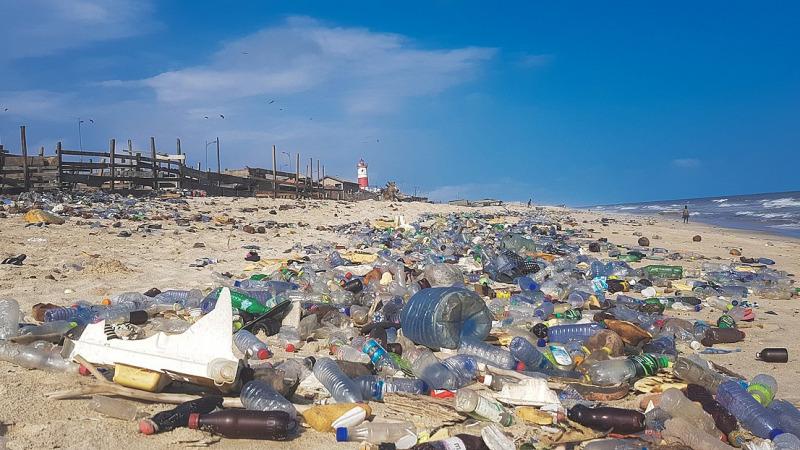 Sie produzieren für Abfallhalden und Plastikinseln